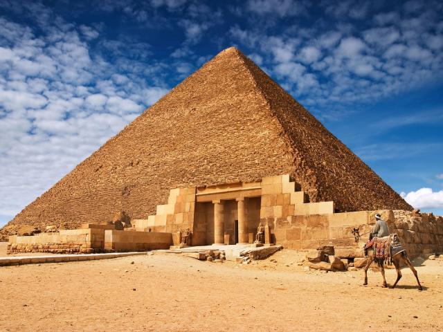 ¿Las pirámides pertenecen al período pre o post diluviano?