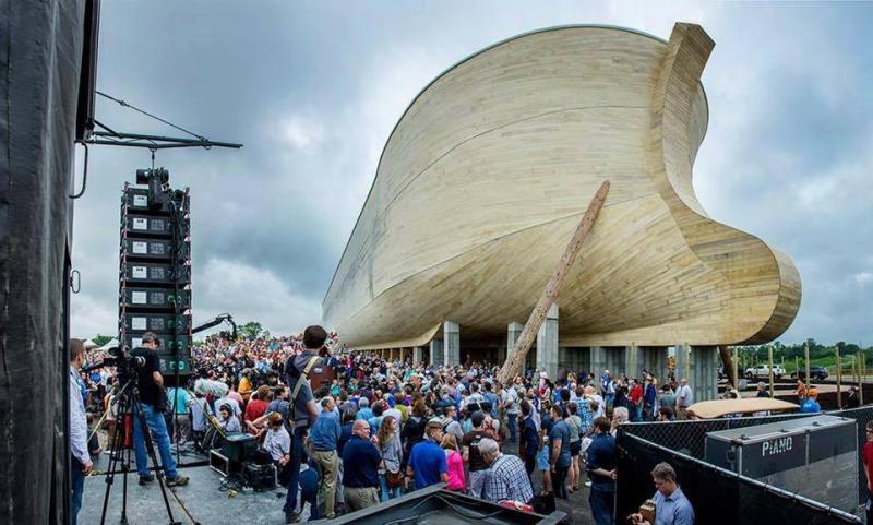 Réplica de arca de Noé da respuestas en Génesis en KENTUCKY