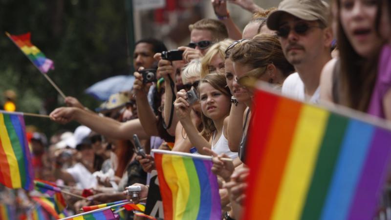 Días de Lot: Marcha del Orgullo Gay Convenció a 50.000 niños de volverse Homosexuales