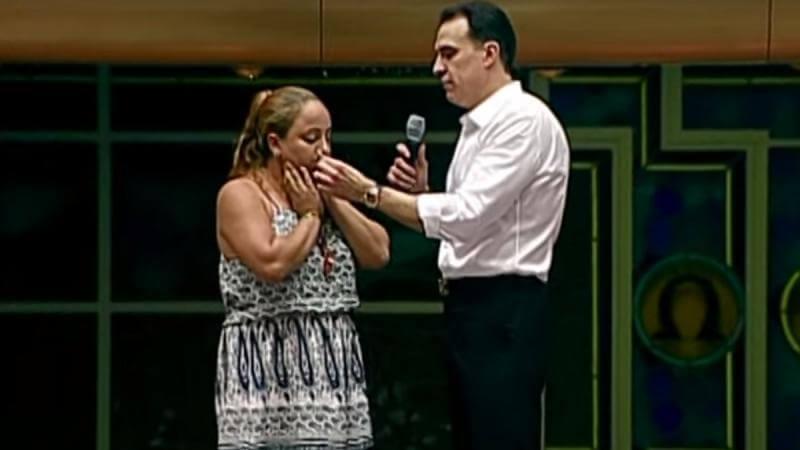 Indignante: Pastor hace tomar Cocaína y Fumar a Fiel recién Convertida