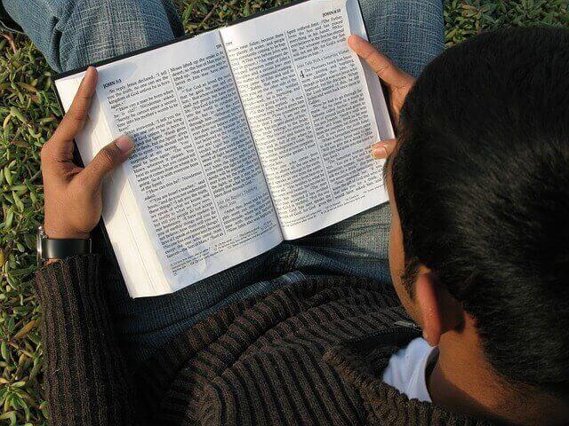 En España ya están celebrando el día mundial de la Biblia