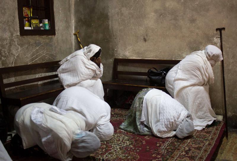Cristianos son expulsados de Arabia Saudita por hacer oraciones