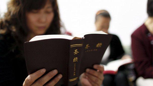 En China se produce una Biblia por segundo a pesar de persecución