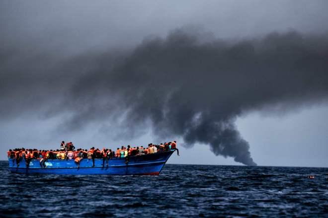 Tragedias en el mundo: Al menos 22 muertos y más de 6,000 inmigrantes rescatados este lunes en el Mediterráneo