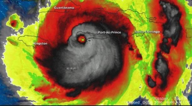 La imagen satelital de Matthew parece una calavera que sonríe y atemoriza a la gente