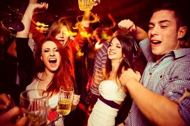 ¿Puede un cristiano ir a fiestas mundanas?