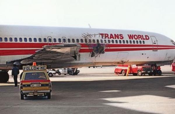 Mujer dice que Jesús la salvó de ataque terrorista a avión