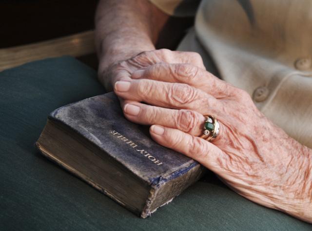Anciana de 103 años: El secreto para una larga vida es Dios
