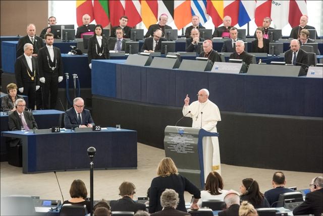 Lideres de la UE piden al papa que les ayude a mantener bloque
