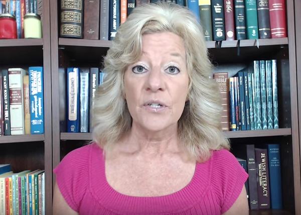 """Mujer que profetizó que Trump ganaría advierte de """"gran temblor"""" en EEUU"""