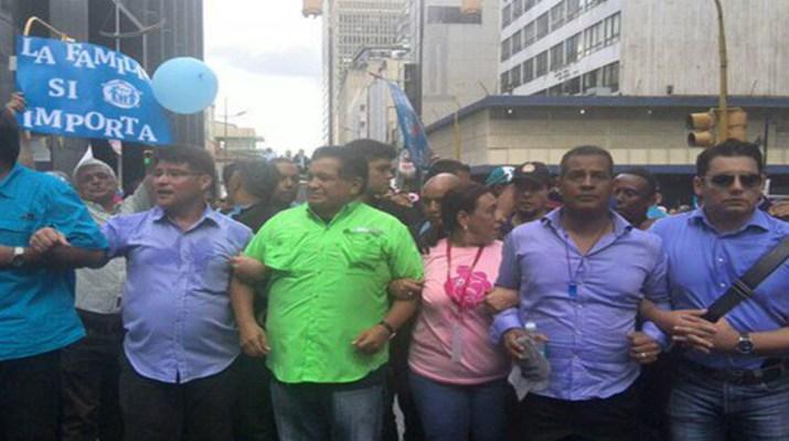 Evangélicos se oponen al matrimonio homosexual en Venezuela
