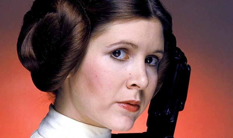 Tras muerte de actriz 'Star Wars', familia se aferra a la fe cristiana