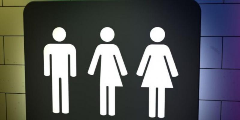 Chile impone ideología de género con «baños trans»