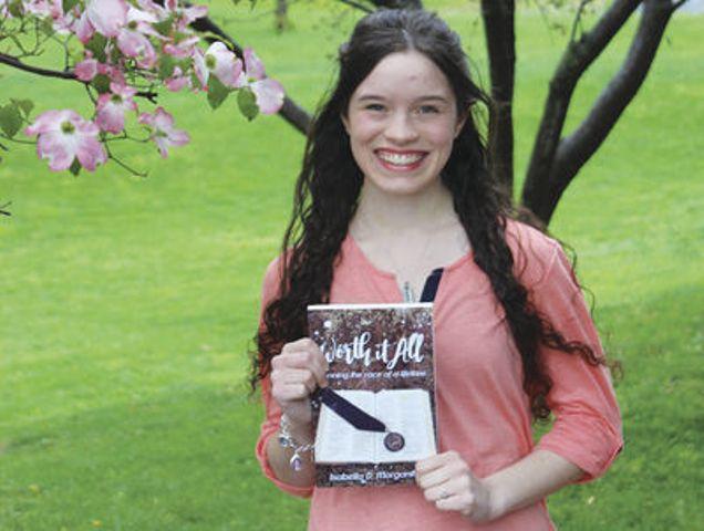 Joven es transformada tras memorizar 6 mil versículos de la Biblia