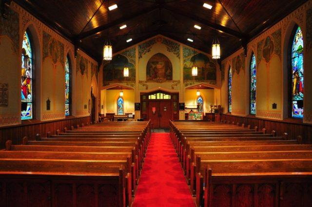 Iglesia evangélica histórica de Canadá en venta por 1 dólar