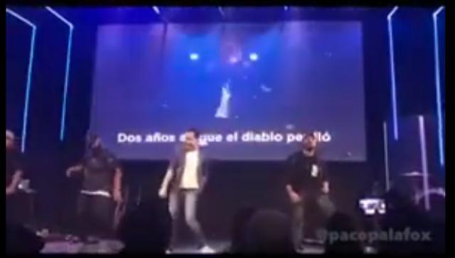 """Cantan versión """"Despacito"""" en iglesia evangélica en México"""