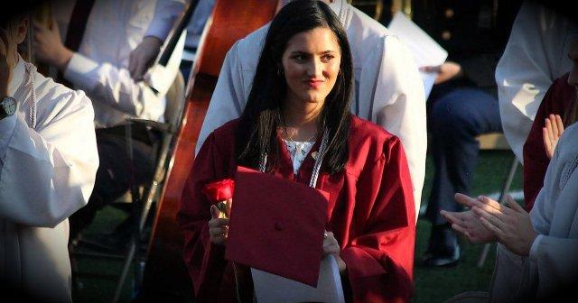 Prohíben a alumna agradecer a Jesús en discurso de graduación