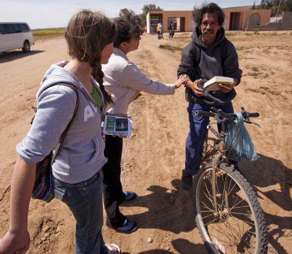 Pueblos de México están recibiendo la Biblia por primera vez