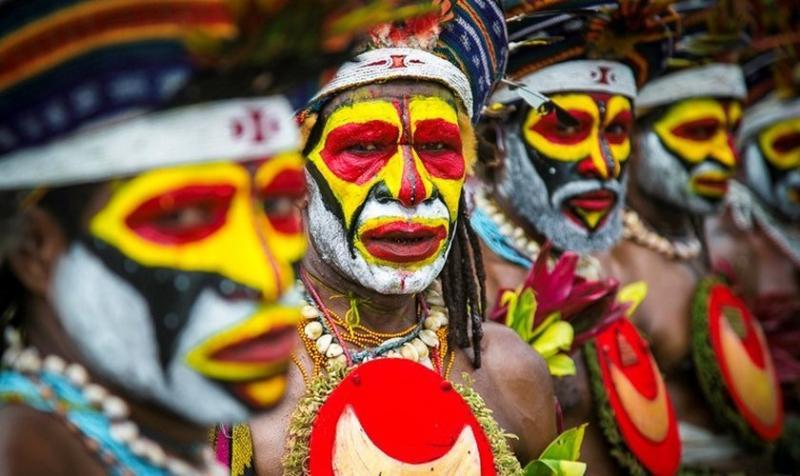 Misioneros predican en medio de la guerra de tribus