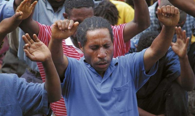 Hechicero se entrega a Jesús y abre ocho iglesias en su aldea