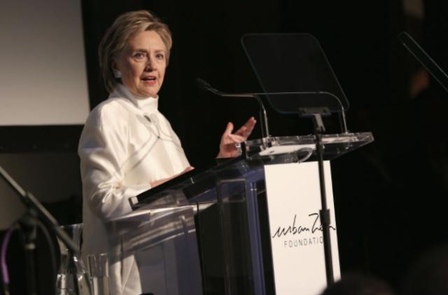 Hillary Clinton revela cómo se volvió a la oración tras la derrota con Trump