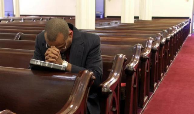 Crisis de fe lleva a pastores a unirse para evangelizar Reino Unido