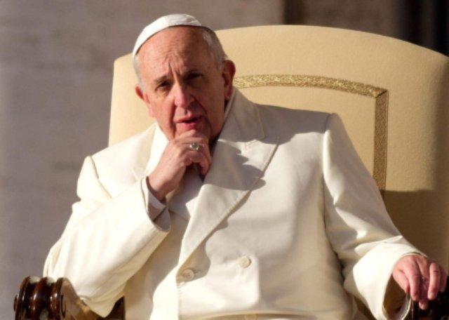 Teólogos católicos acusan al papa Francisco de herejía