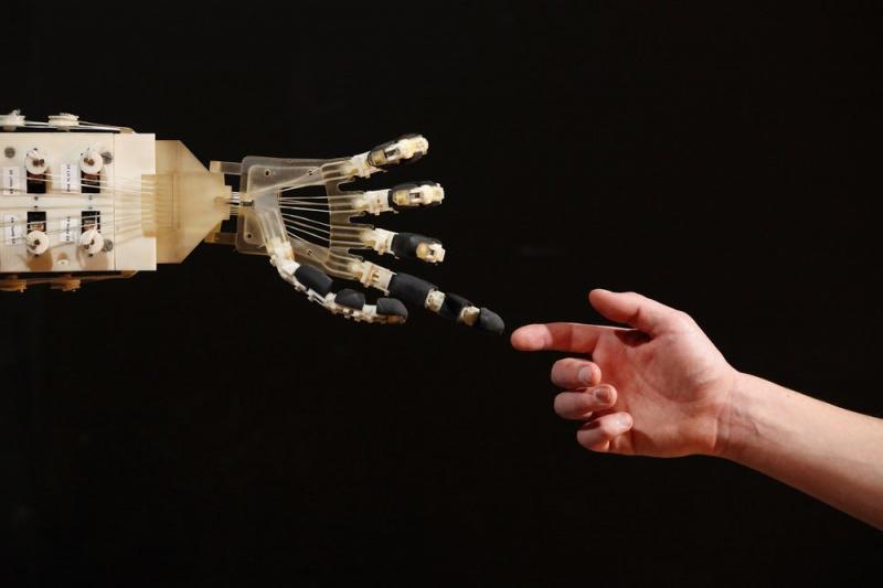 Ex-ingeniero de Google crea religión para adorar la inteligencia artificial