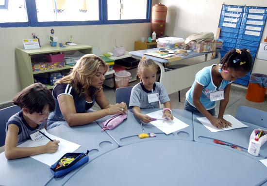 Paraguay prohíbe ideología de género en escuelas públicas
