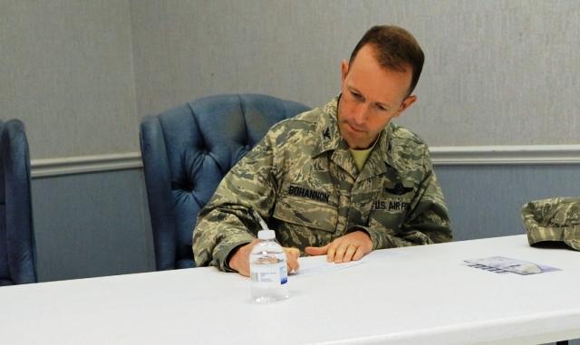 Militar cristiano castigado por discrepar matrimonio gay en EEUU