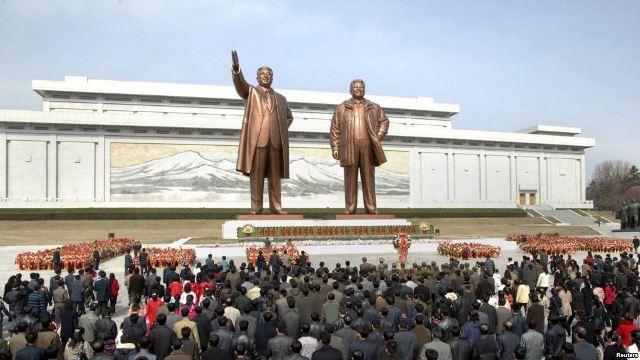 Lanzan campaña de donación para enviar 100,000 biblias a Corea del Norte
