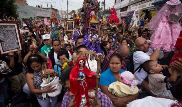 Culto a Santa Muerte se extiende por América Latina y preocupa al Vaticano