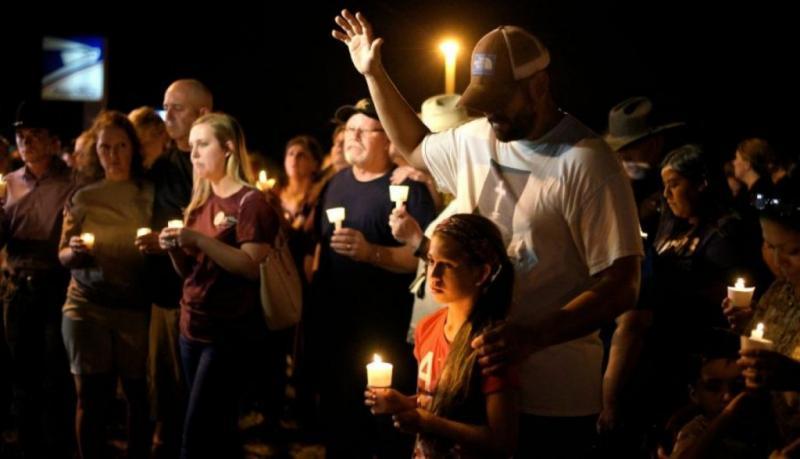 """Izquierda estadounidense hace campaña contra """"oraciones por Texas"""""""