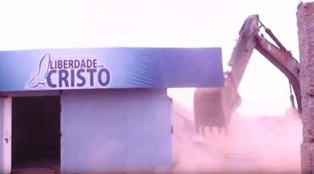 32 iglesias fueron derribadas por gobernador socialista de Brasil