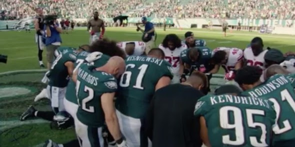 Jugadores de fútbol montan iglesia y hacen cultos en entrenamientos
