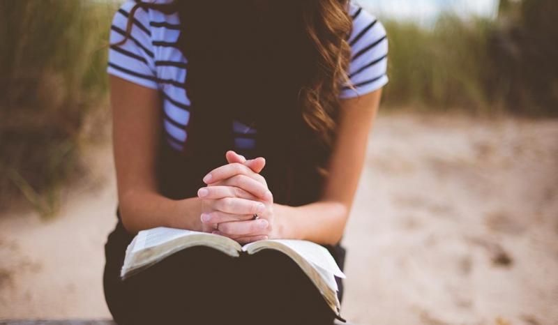 """Francia cambia frase del """"Padre Nuestro"""" que sugería que la tentación viene de Dios"""