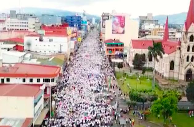 """Cristianos en Costa Rica se movilizan """"por la vida y la familia"""""""