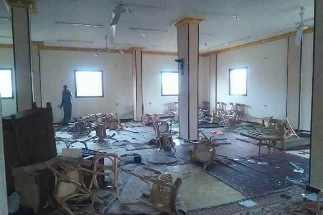 Musulmanes destruyen iglesia en Egipto, en vísperas de Navidad