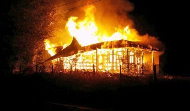 Con aumento de cristianos en Chile, indígenas pasan a incendiar iglesias