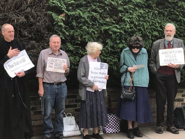 Cristianos contrarios al aborto pueden ser encarcelados en Londres