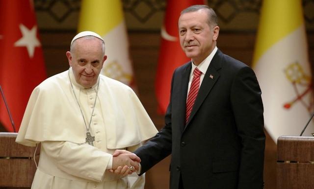"""Papa se reunirá con líder islámico para debatir """"futuro de Jerusalén"""""""
