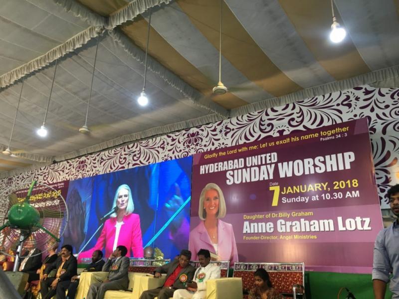 Hija de Billy Graham reúne 500 mil personas para clamar por avivamiento en India
