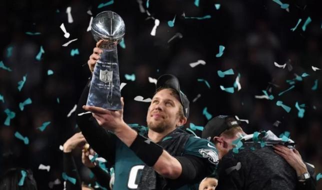 """""""Toda la Gloria le pertenece a Dios"""", dice atleta al vencer mayor torneo de fútbol americano"""