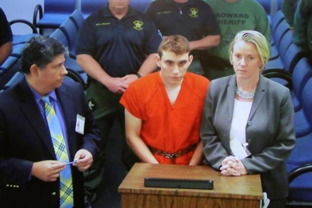 "Tirador de escuela en Florida afirma que ""voces de demonios"" le guiaron"