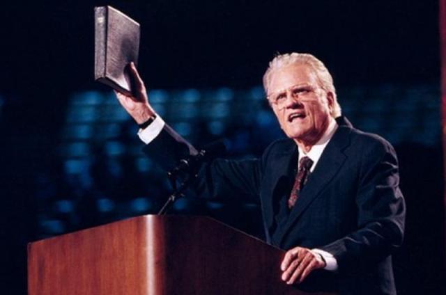 """Difunden profecía: Muerte de Billy Graham daría inicio al """"último avivamiento"""""""