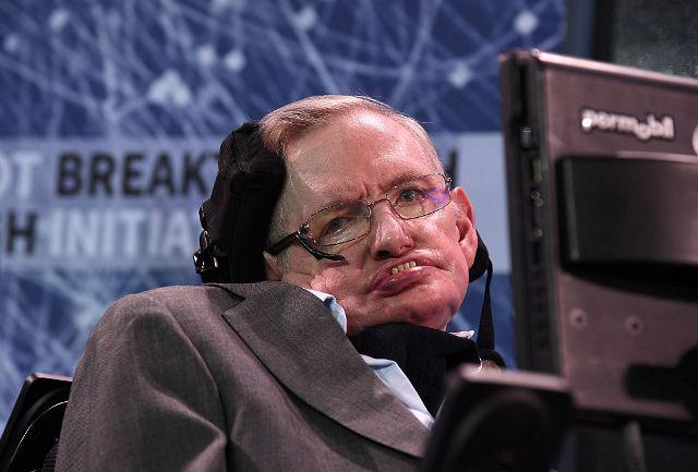 La intrigante respuesta que dio Stephen Hawking cuando se le preguntó '¿Crees en Dios?'