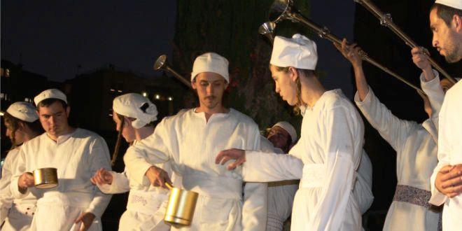 """""""Sacrificio de la Pascua"""" es hecho en el Monte del Templo"""