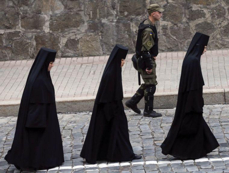 """Iglesias evangélicas de Ucrania serán consideradas """"ilegales"""""""