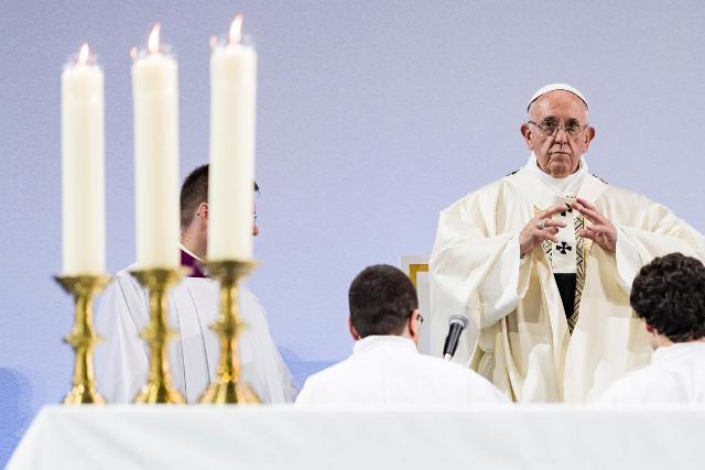 """Papa pide a católicos y evangélicos """"derribar las barreras"""" de 500 años"""