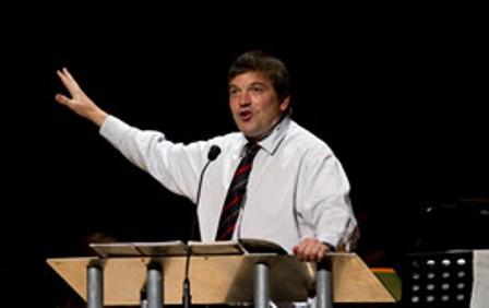 """Iglesias que apoyan matrimonio gay necesitan arrepentirse"", dice evangelista"